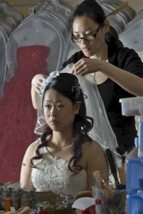 24-Dong Yan Xu, 25 años, el día de su boda en Barcelona.